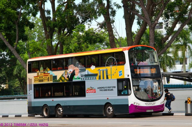 SBST Volvo B9TL Wright (SBS3026H) - Service 197, with advert wrap for Hasbro
