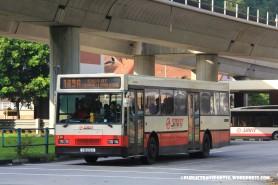 SMRT Mercedes-Benz O405 (TIB595H) – Service 189A