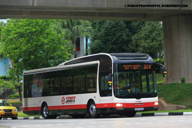 SMRT MAN NL323F A22 (SMB3068X) - Service 904