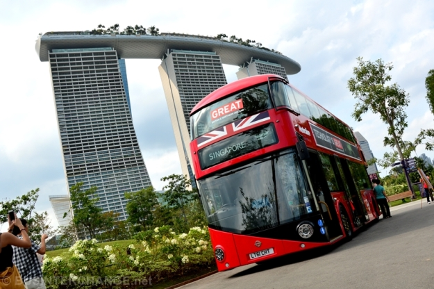 LT3 with Marina Bay Sands in the background. Image courtesy of BusInterchange.net